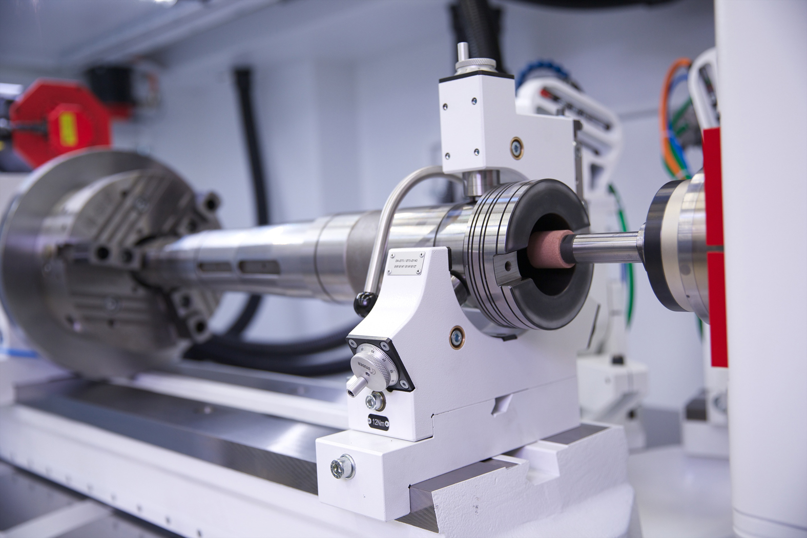 Internal grinding  on the NEW Studer S141 Internal Cylindrical Grinding Machine